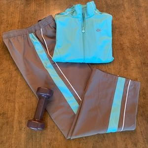 NIKE Vintage Ladies Track Suit - 2 Piece Set